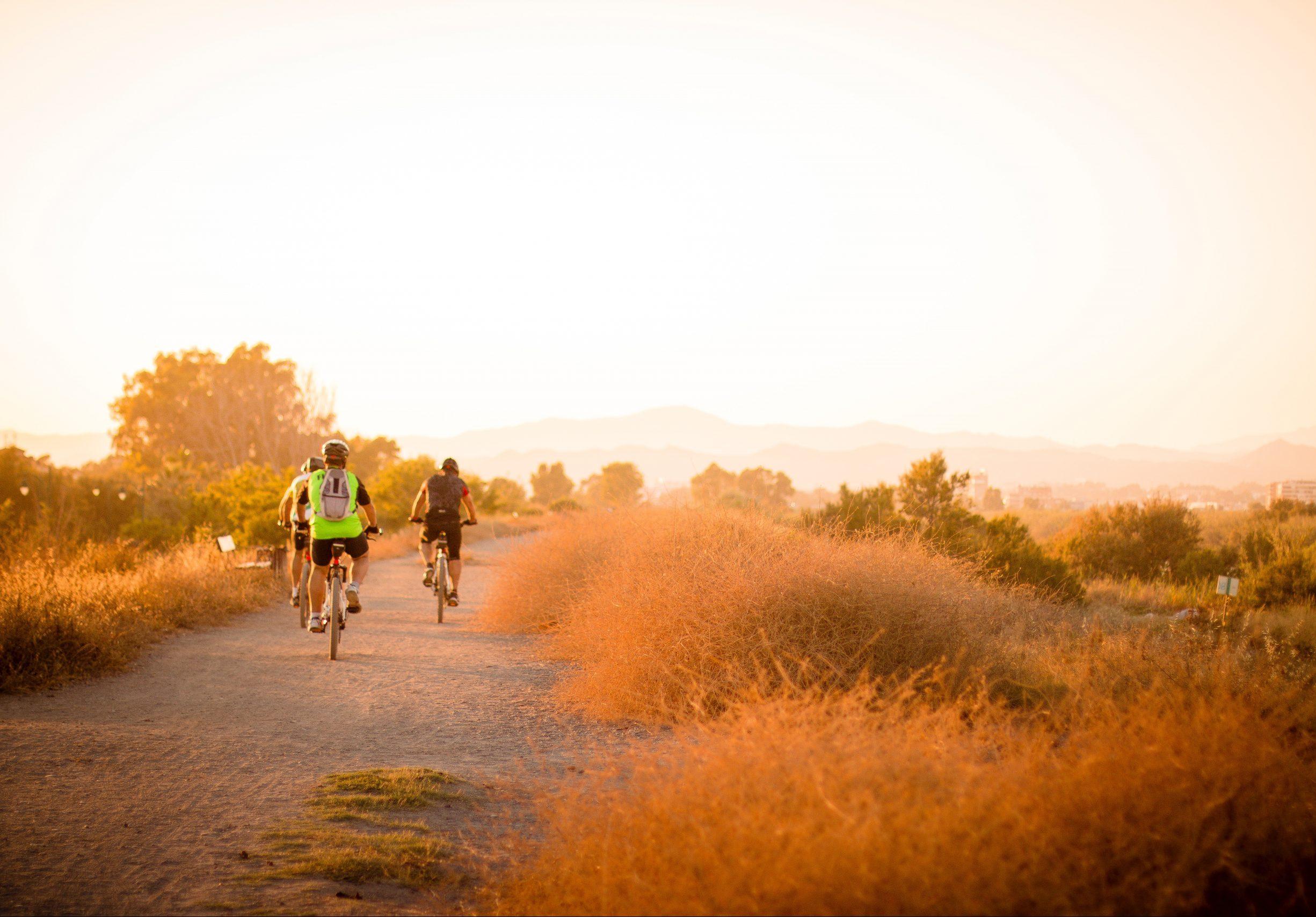 rutas por la mañana en bicicleta colores preciosos